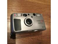 Yashica T5 - Silver MiNT