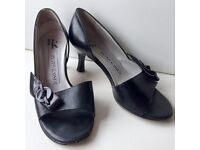 Peter Kaiser Peep Toe Black Leather Shoes - Size 2½ Extra Small