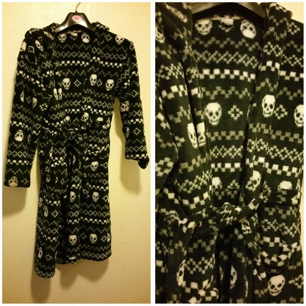 Skull dressing gown age 11 to 12 | in Dundee | Gumtree