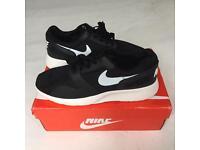 New Black Nike UK 9 EU 44