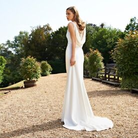 Immaculate Suzanne Neville Duet Wedding Dress and Veil UK Size 8