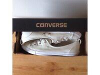 Ladies Converse size 6
