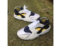 Nike air huaraches trainers size 6.5