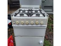 New world gas cooker (needs a clean)