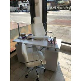 Renting out manicure&pedicure and hairdressers chair