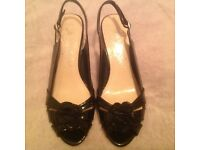MARKS & SPENCER BLACK SLINGBACK KITTEN HEEL SANDAL WITH OPEN FRONT AND FLOWER DESIGN ON THE FRONT
