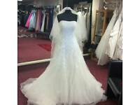 new wedding dress size 14-16