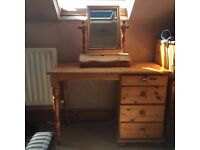Solid pine dressing table and storage mirror set