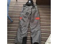 Snowboard pants, ski trousers