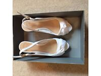 Coast wedges - white and brown - size 37