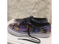 Limited edition donkey kong vans size 7