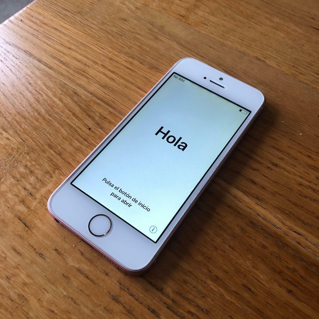 iPhone SE 16BG rose gold   in Lambeth, London   Gumtree