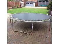 12 foot giant trampoline with enclosure