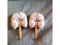 Louis Vuitton shoe trees in very good condition