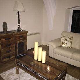 Beautiful matching sideboard and coffee table