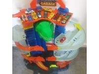 Hot Wheels City Ultimate Garage playsey