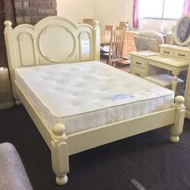 Shabby Chic 4ft6 Double French style cream bed frame.
