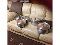 Lovely 5 piece Pan set