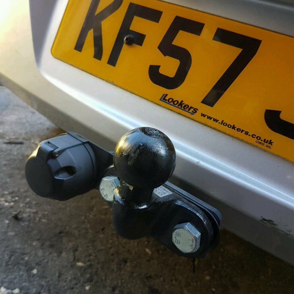 Tow Bar with electrics = Vauxhall Astra