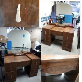 40s style dressing table