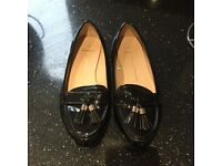 Woman's Dorothy Perkins dolly shoes size 5