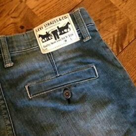 Levi's Shorts, W28