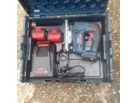 Bosch jigsaw 18 volt, 2 batteries which are 4.0 amp