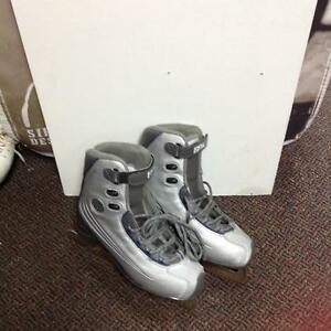 CCM  SP Figure Skates (sku: Z13991)