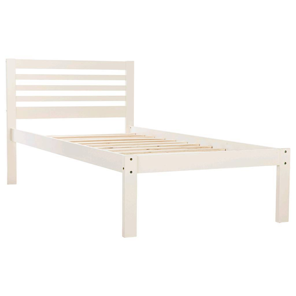 Julian Bowen Slocum bed in white.NEW..