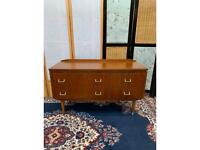 Vintage 4 Drawers Chest