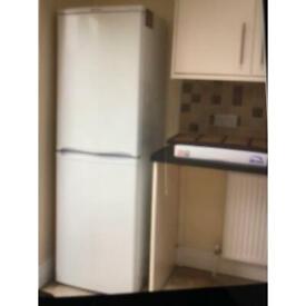 Fridge / freezer50/50 Hotpoint Iced Diamond