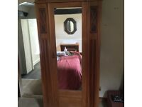 Single mirrored wardrobe