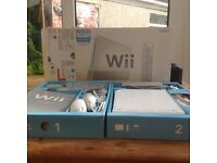 Wii & Wii FIT + Extra Nunchuck MINT CONDITION