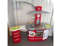 Kids play kitchen / toy kitchen