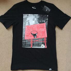 Nike Athletic Cut T-shirt - Size M