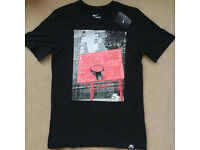 Nike Athletic Cut T-shirt - Size M