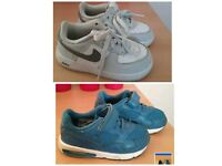 2x Nike trainers 7.5 infant