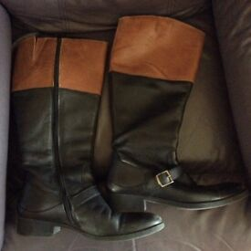 Leather 2 tone ladies boots, size 7/41.