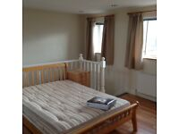 Tooting Bec, London, SW17 Large 2 Bedroom Flat with 2 On Suite Bathrooms