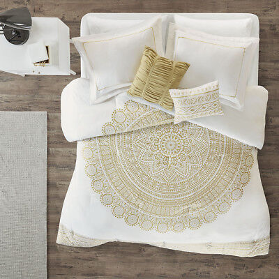 Intelligent Design Nomad Metallic Medallion Printed Comforte