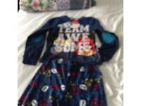 2 pairs of boys pyjamas age 6-7