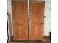 2 X SOLID PINE UNPAINTED INTERNAL DOORS WITH PEWTER EFFECT HANDLES 75 X 199 APPROX
