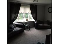 Bishopbriggs 2 BED FLAT Secure within factored building on a lovely estate close to all ammenities .