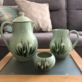 Holkham Pottery 'Snowdrop' pattern coffee set