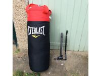 """Everlast"" punch bag and wall brackets"
