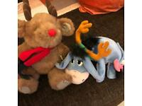 2 SMALL XMAS TEDDIES conforms to safety standards