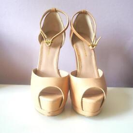 Kurt Geiger nude platform heels size 3/36