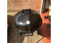 BRAND NEW 22.5 INCH KETTLE GRILL BBQ