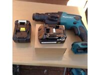 Makita drill charger 2 batteries and a110 planer all working