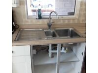 Used kitchen sink and taps. Still lots of life in it! Collection hedge end